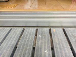 縁台と床の段差