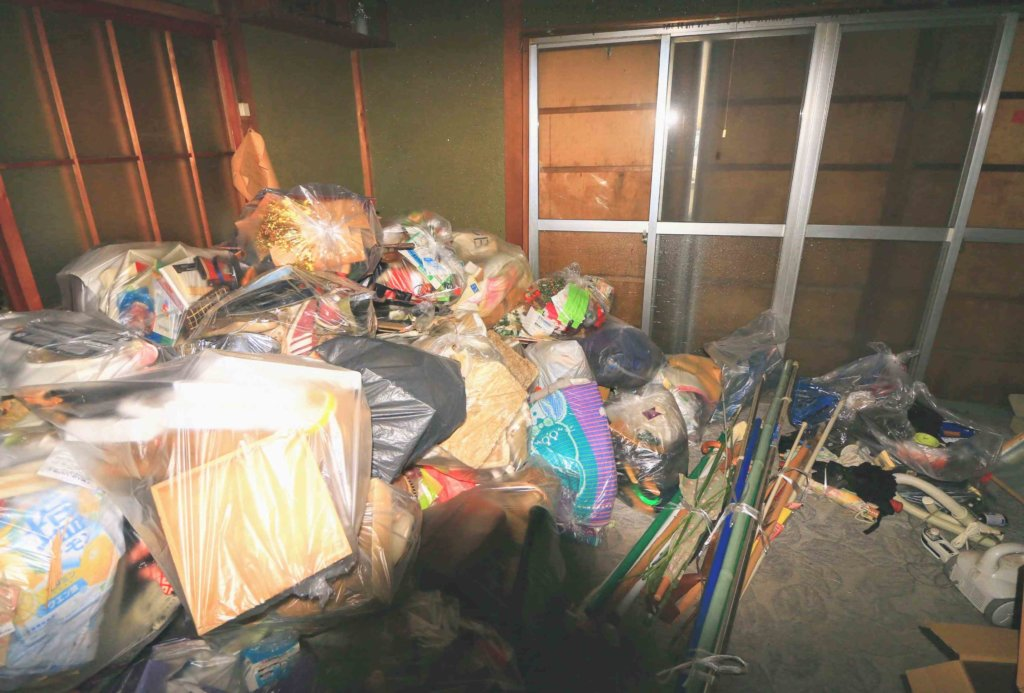 仕分け済ゴミ仮置き部屋
